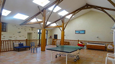 Local commercial - Salle pour associations - 146m²
